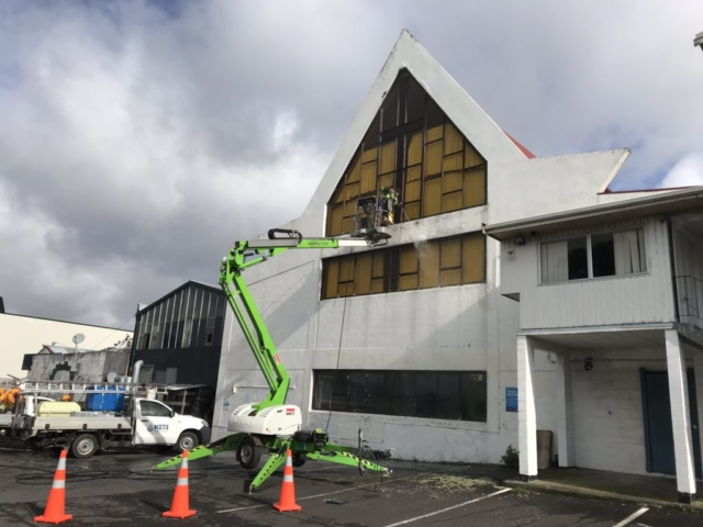 NZTS uses aerial work platform for building washing